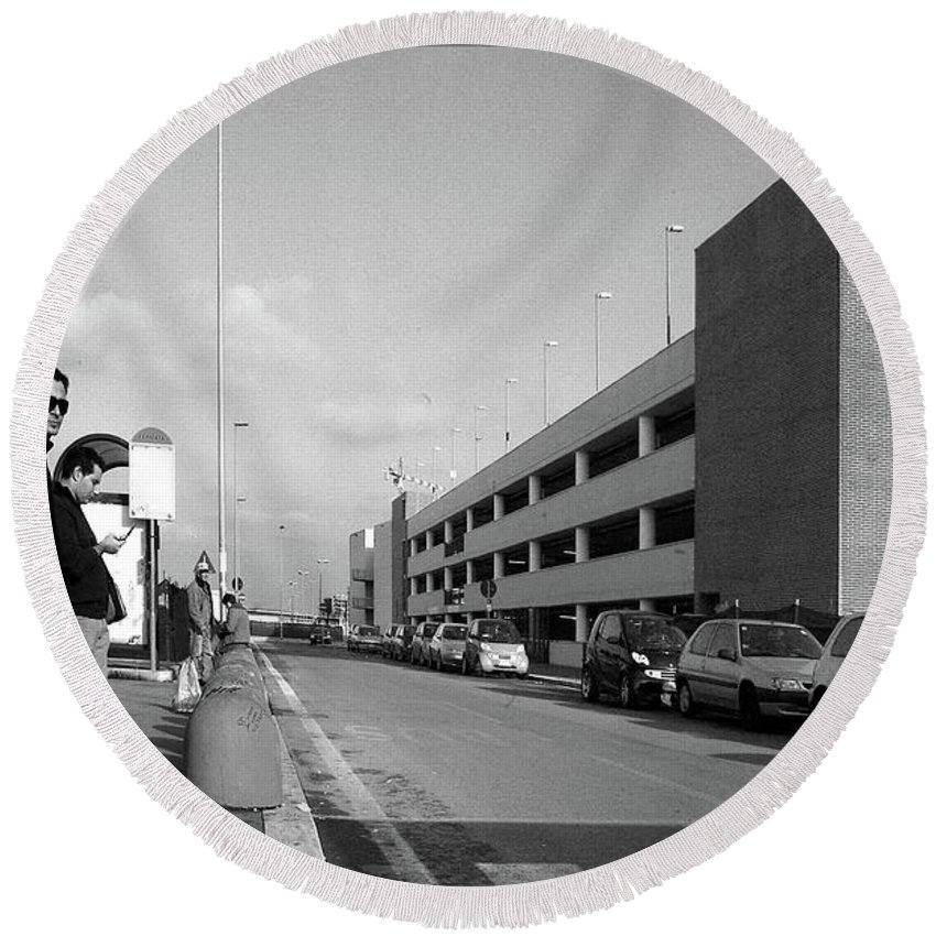 Malls Round Beach Towel featuring the photograph The Great Mall by Guy Ciarcia