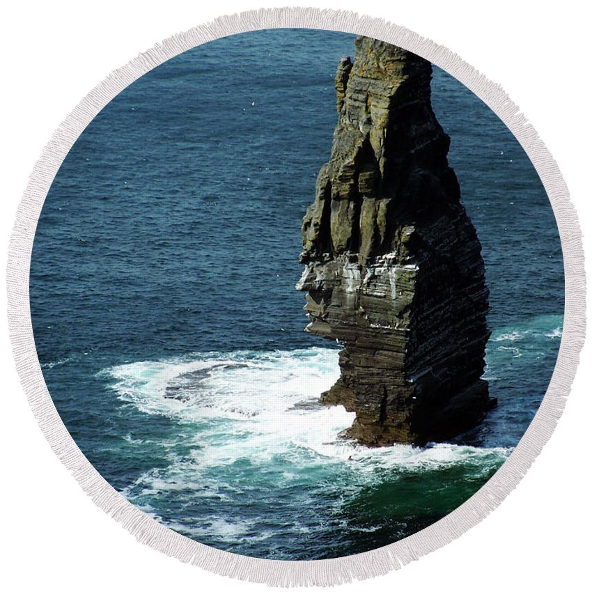 Irish Round Beach Towel featuring the photograph The Great Sea Stack Brananmore Cliffs Of Moher Ireland by Teresa Mucha