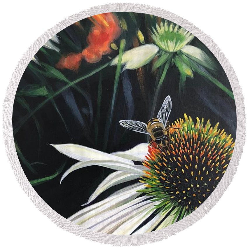 Daisy Round Beach Towel featuring the painting The Honeythief by Hunter Jay