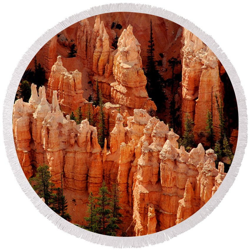 Landmark Round Beach Towel featuring the photograph The Hoodoos In Bryce Canyon by Susanne Van Hulst