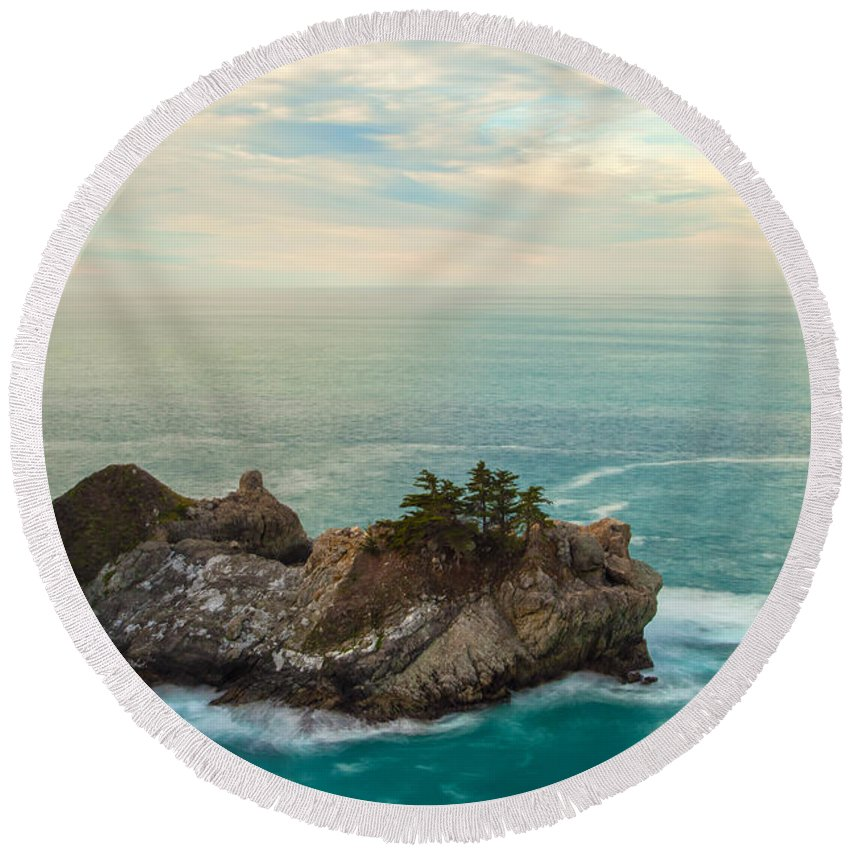 Landscape Round Beach Towel featuring the photograph The Island by Jonathan Nguyen
