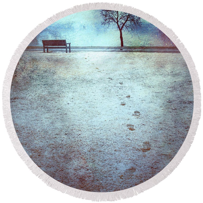 Bench Round Beach Towel featuring the photograph The Last Snowfall by Tara Turner
