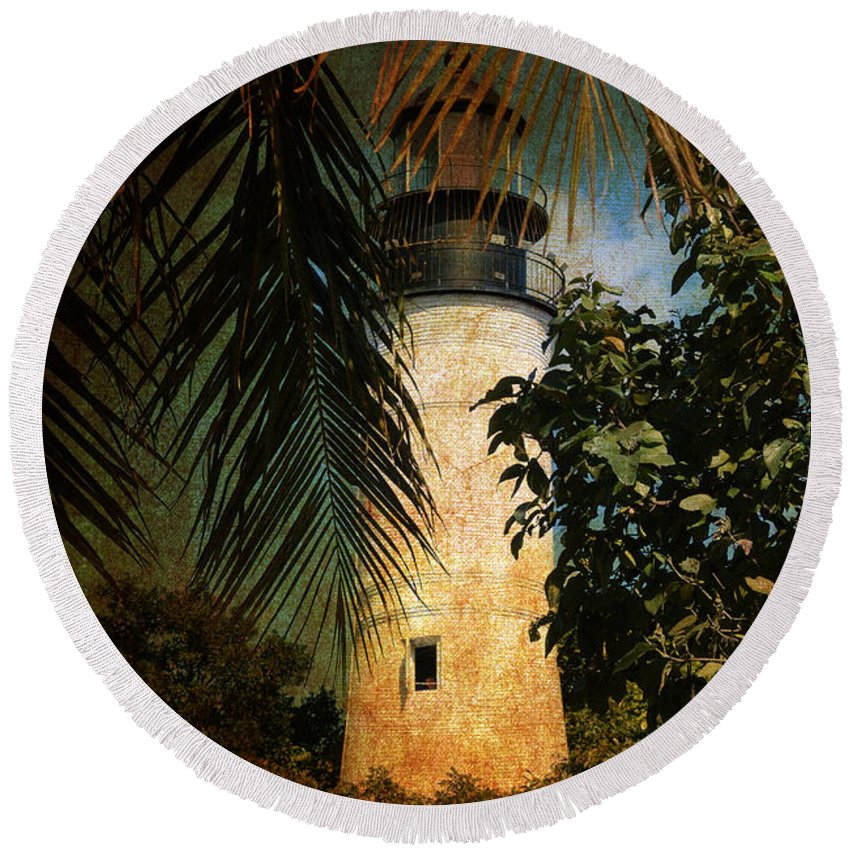 Lighthouse Round Beach Towel featuring the photograph The Lighthouse In Key West by Susanne Van Hulst