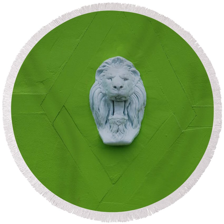 Lion Round Beach Towel featuring the photograph The Lion by Rob Hans