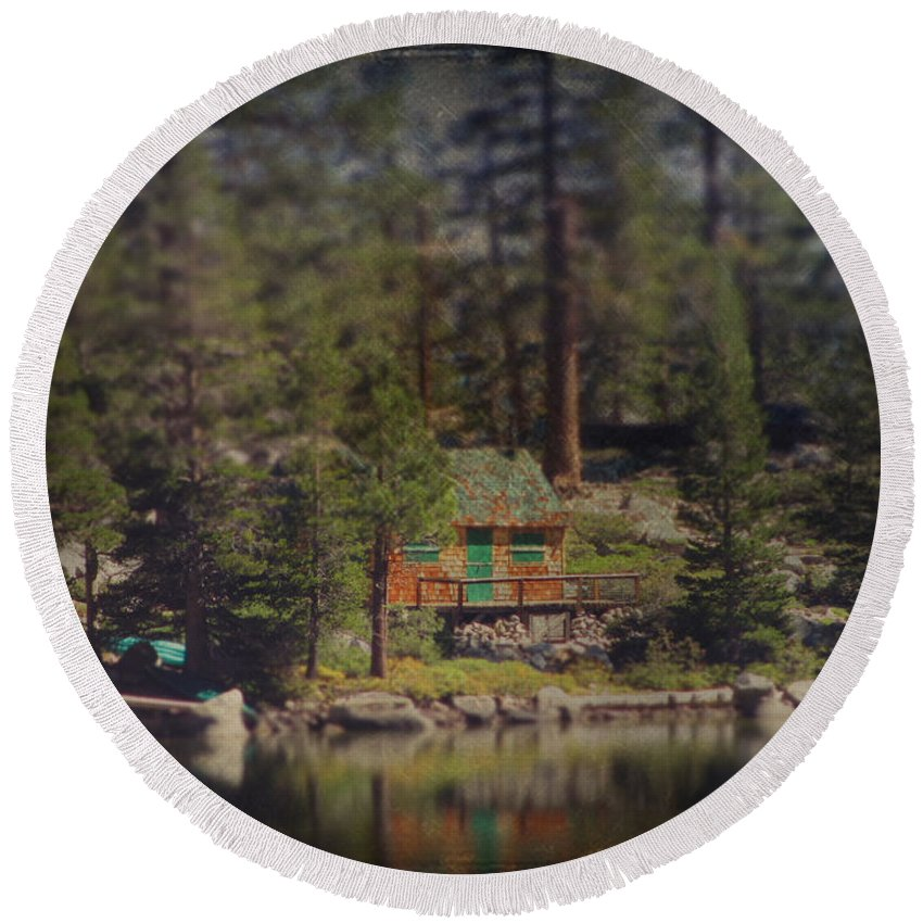 Cabin Round Beach Towel featuring the photograph The Little Cabin by Laurie Search
