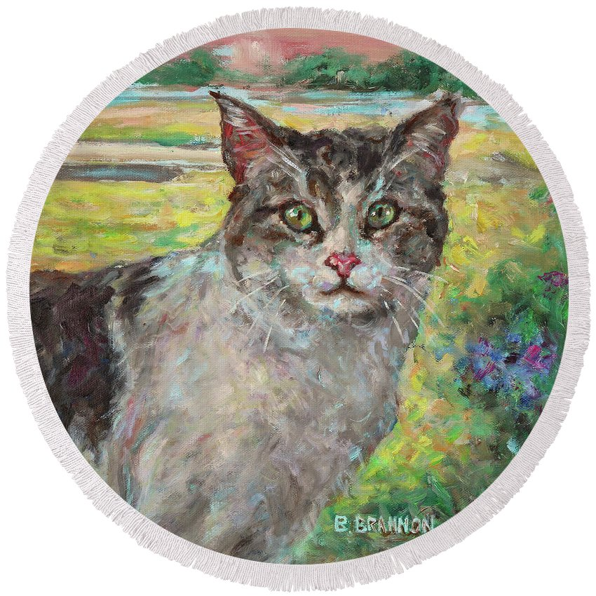 Cat Round Beach Towel featuring the painting The Little Visitor by Brenda Brannon