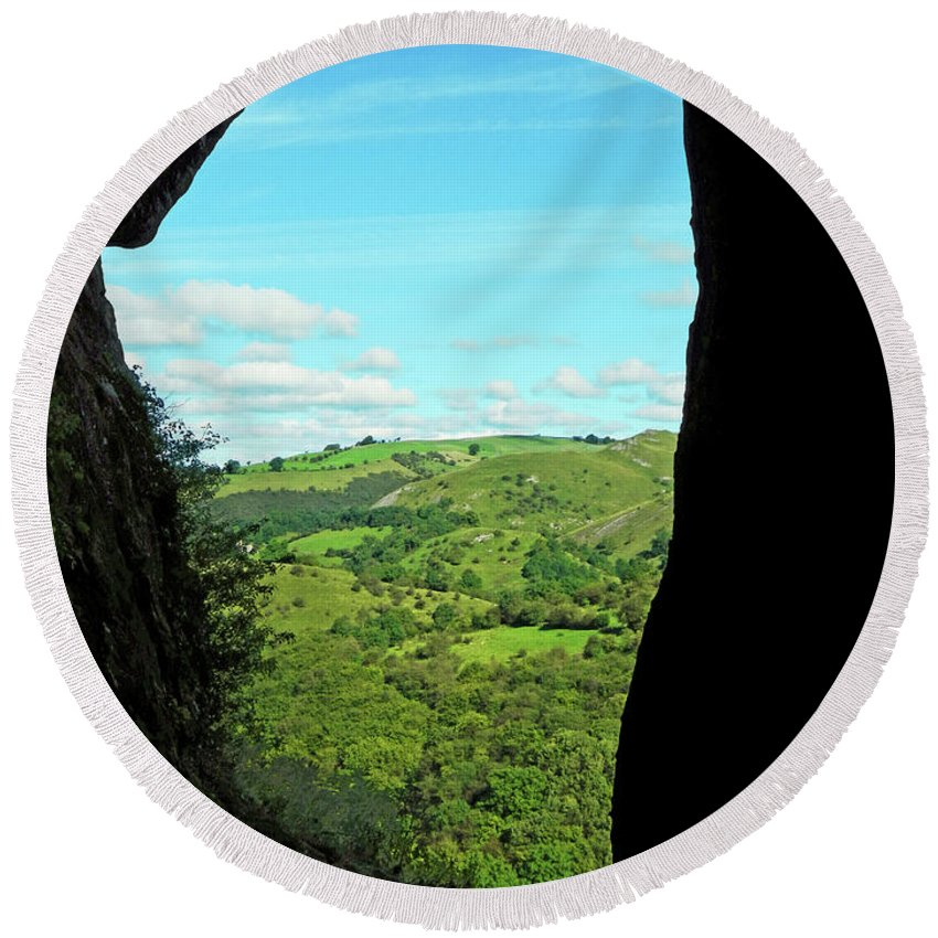 Bright Round Beach Towel featuring the photograph The Manifold Valley From Thor's Cave by Rod Johnson
