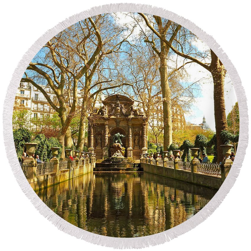 Landscape Round Beach Towel featuring the photograph The Medici Fountain by Alex Cassels