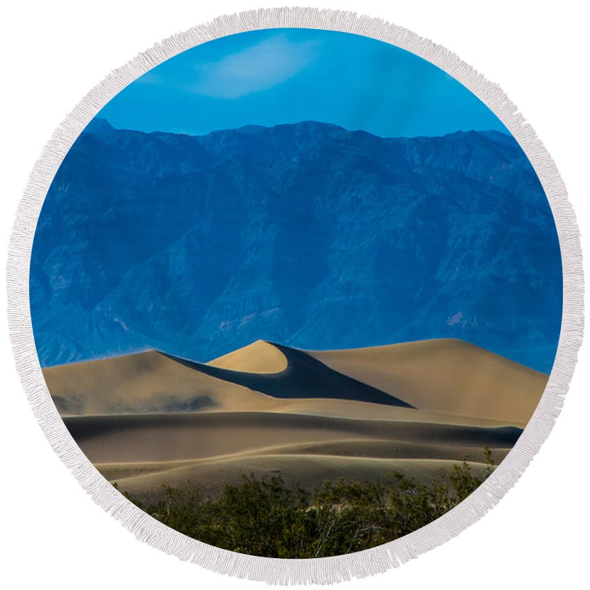 Dunes Round Beach Towel featuring the photograph The Mesquite Dunes by Stephen Whalen