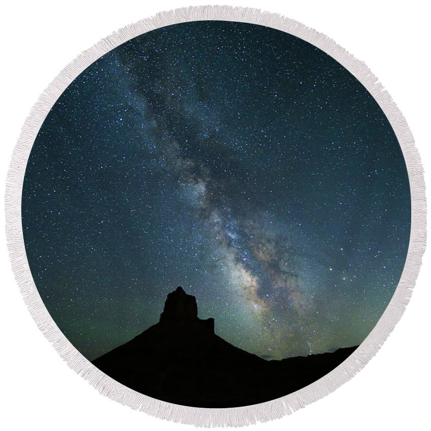 Castleton Tower Round Beach Towel featuring the photograph The Milky Way by Jim Thompson