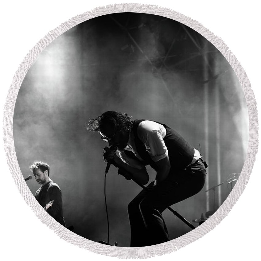 Crazyhorse Round Beach Towel featuring the photograph The National Performing At Hyde Park London by Anna Webber