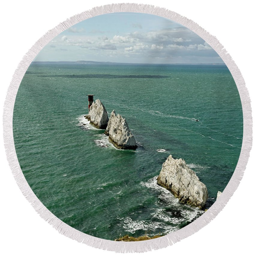 Britain Round Beach Towel featuring the photograph The Needles - Isle Of Wight by Rod Johnson