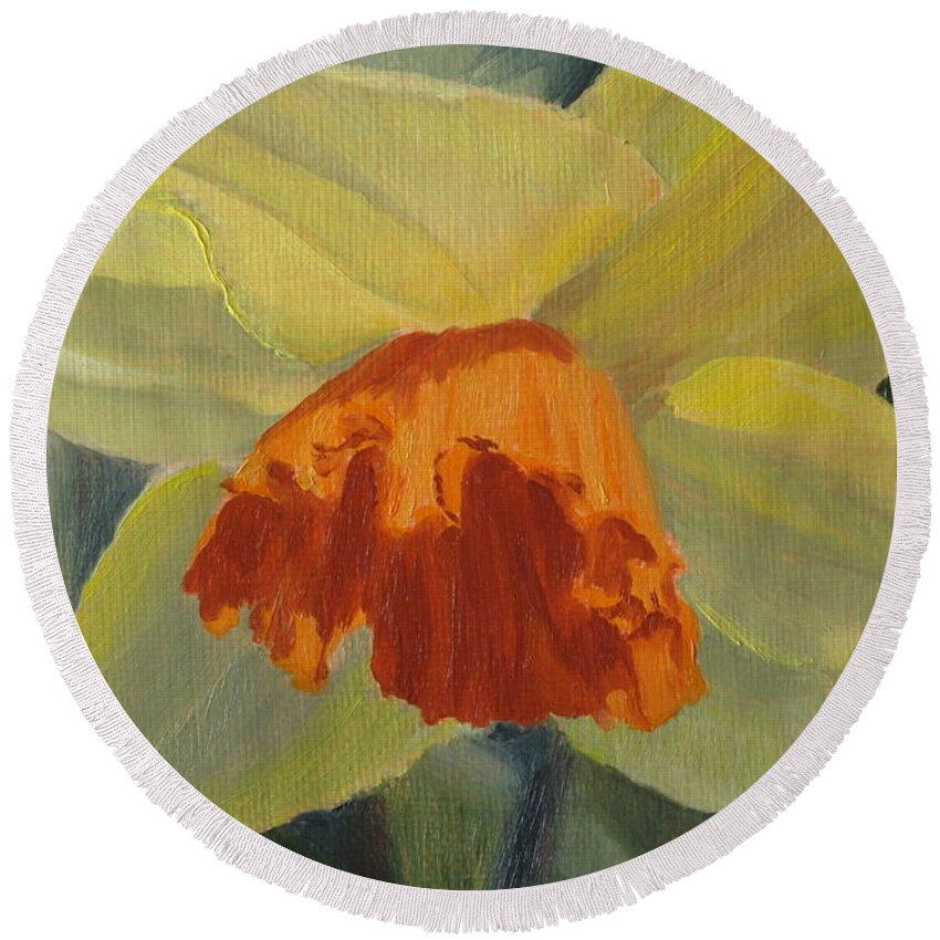 Flower Round Beach Towel featuring the painting The Nodding Daffodil by Lea Novak