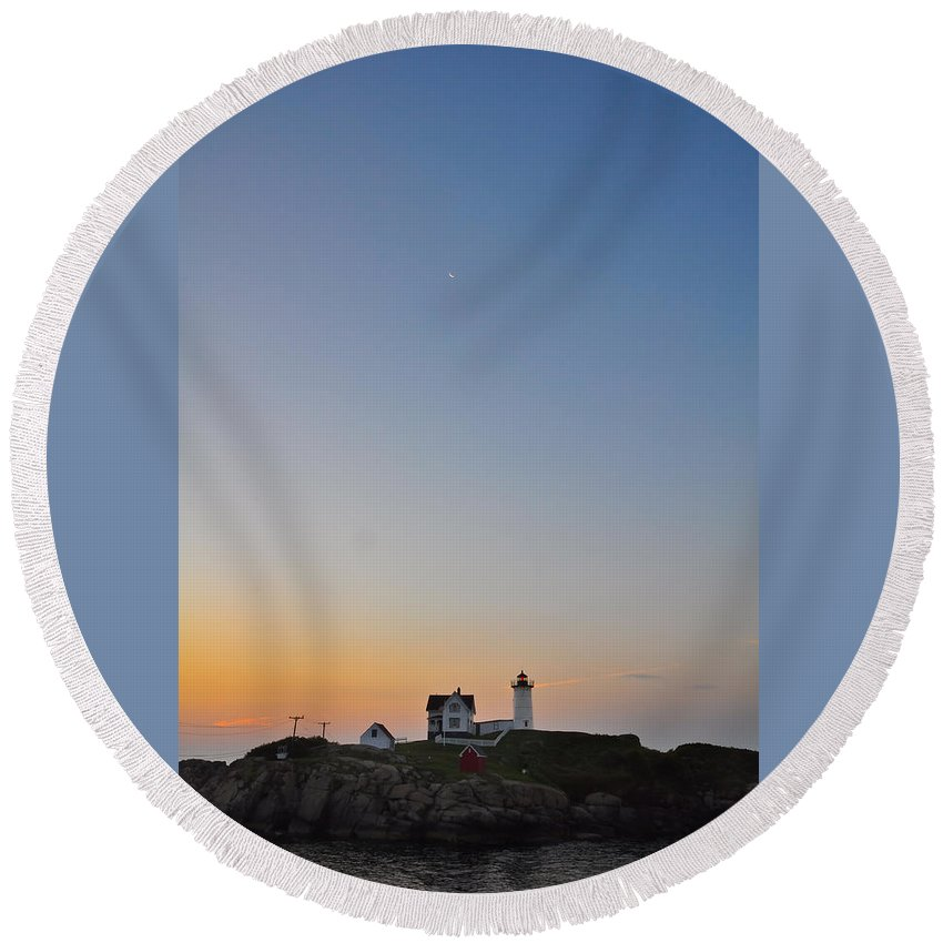 Lighthouse Round Beach Towel featuring the photograph The Nubble Lighthouse Vertical by Catherine Easton
