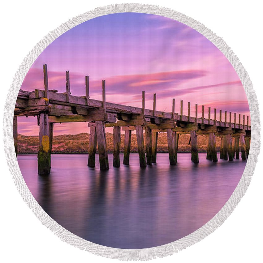 Old Bridge Round Beach Towel featuring the photograph The Old Bridge at Sunset by Roy McPeak