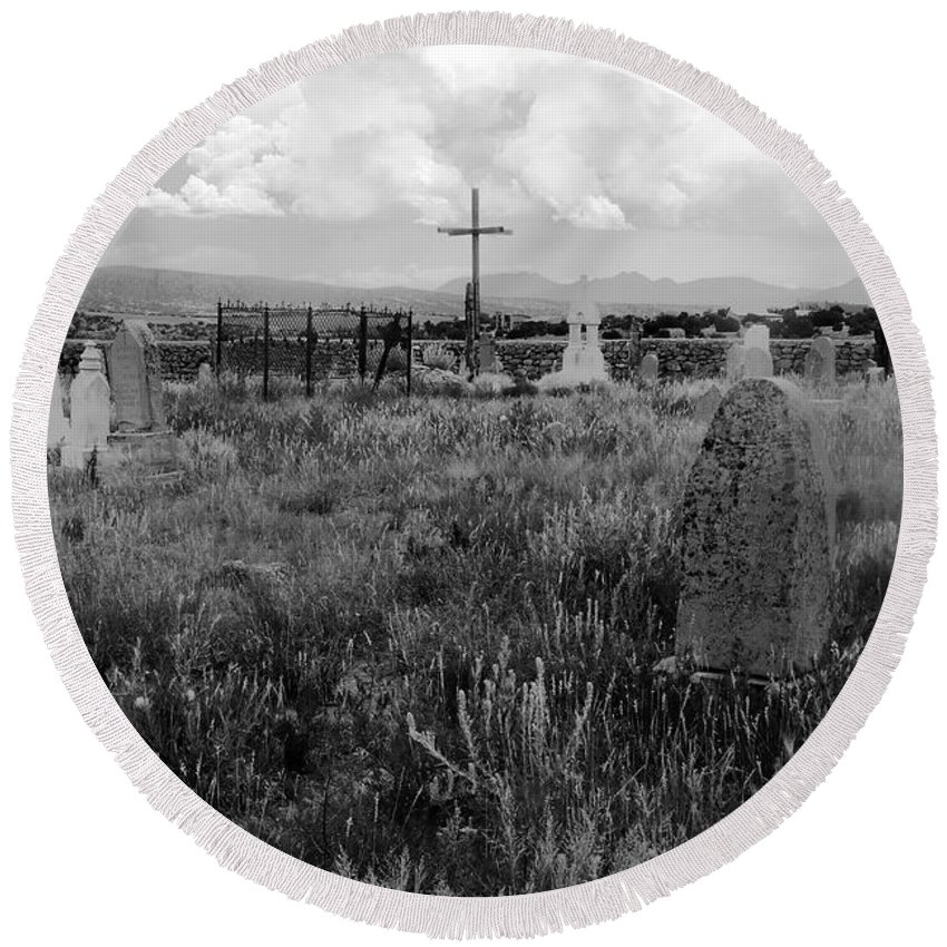 Galisteo New Mexico Round Beach Towel featuring the photograph The Old Cemetery At Galisteo by David Lee Thompson