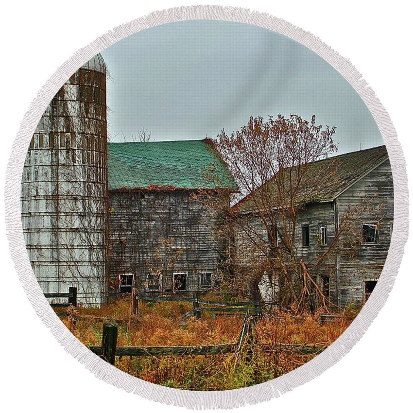 Rural Round Beach Towel featuring the photograph The Old Farm by Diana Hatcher
