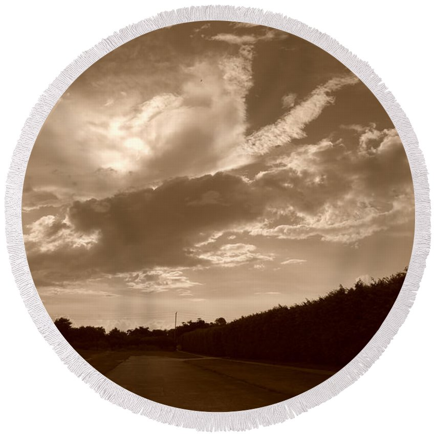 Sepia Round Beach Towel featuring the photograph The Old Homestead by Rob Hans