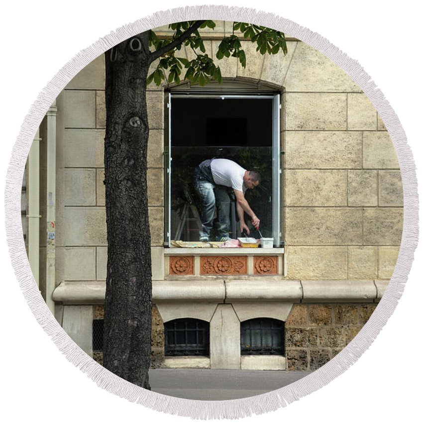 Paris Round Beach Towel featuring the photograph The Painter In The Window by Bernd Billmayer