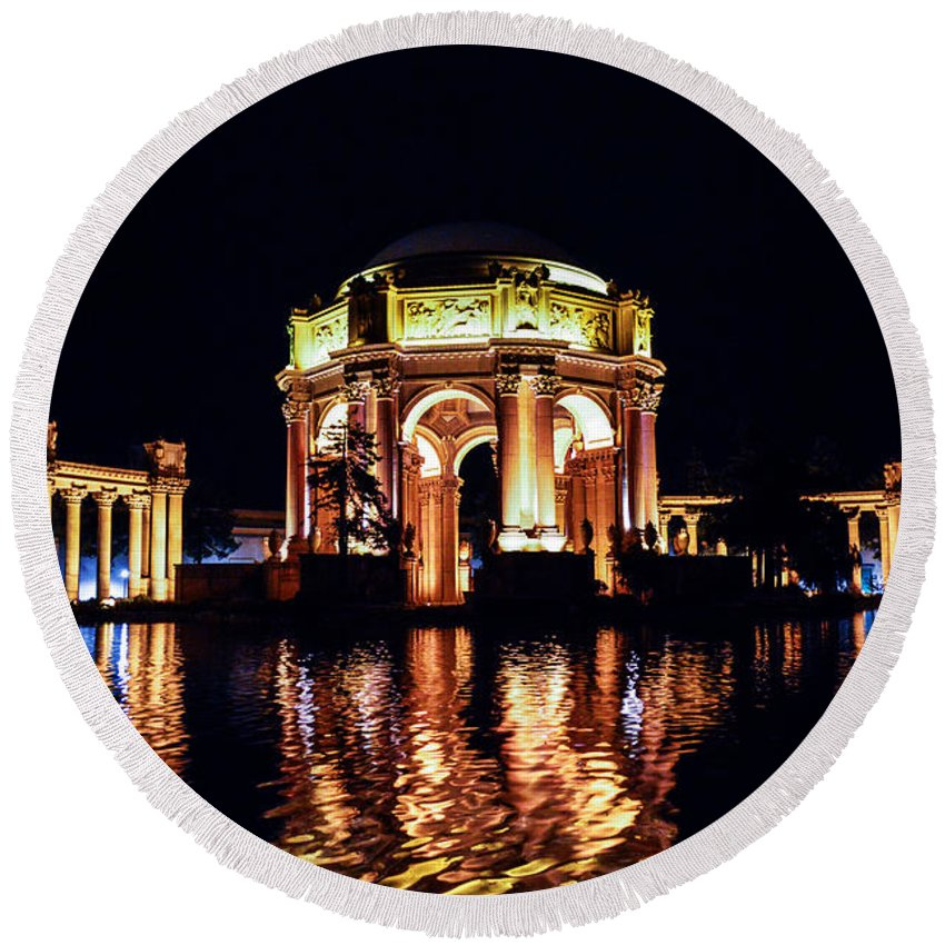 Palace Of Fine Arts Round Beach Towel featuring the photograph The Palace At Night by Tommy Anderson
