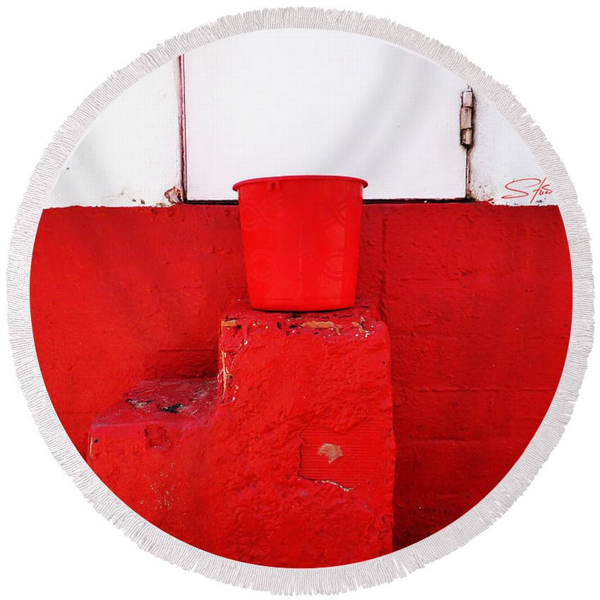 Red Round Beach Towel featuring the photograph The Red Bucket by Charles Stuart