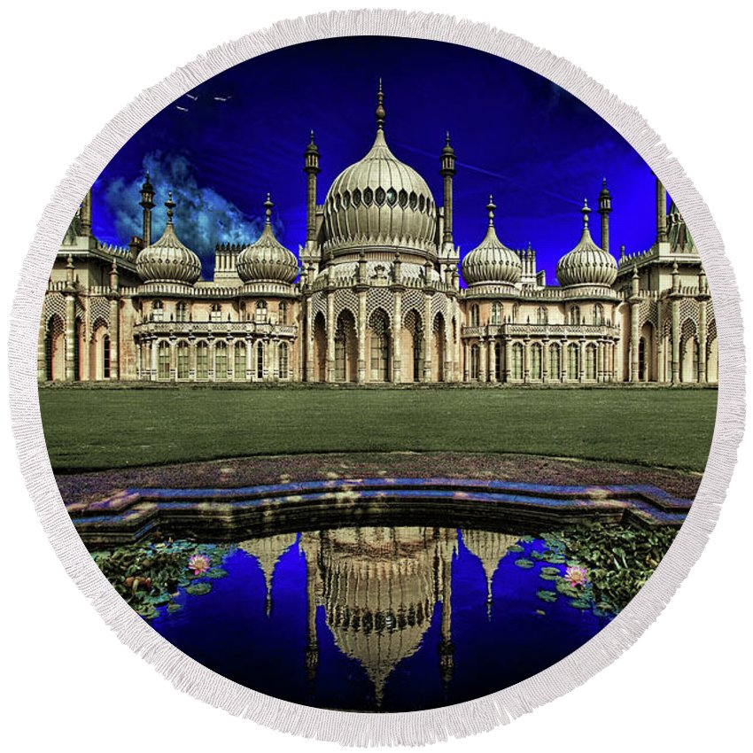 Hdr Round Beach Towel featuring the photograph The Royal Pavilion At Sunrise by Chris Lord