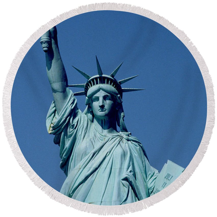 Liberty Island Paintings Round Beach Towels