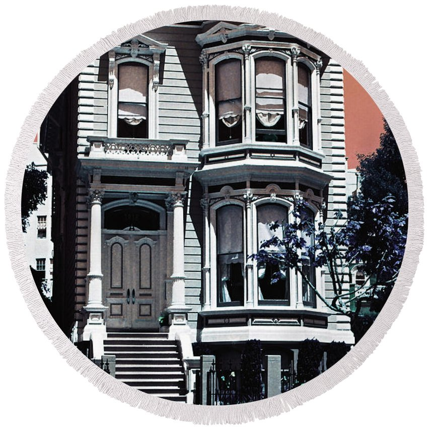 San Francisco Round Beach Towel featuring the photograph The Streets Of San Francisco by Ira Shander