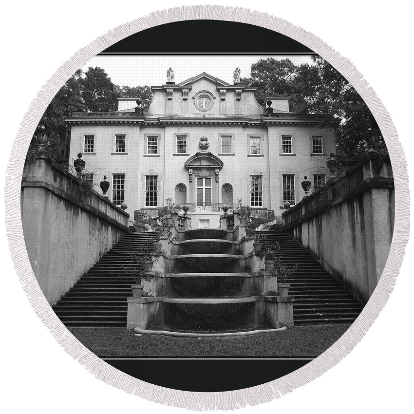 Historic Landmark Round Beach Towel featuring the photograph The Swan House by Robert Meanor