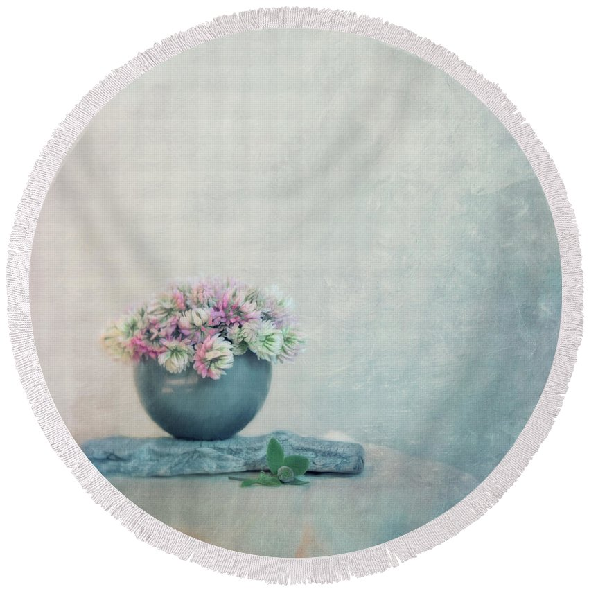 Clover Round Beach Towel featuring the photograph The Sweet Scent Of Clover by Priska Wettstein