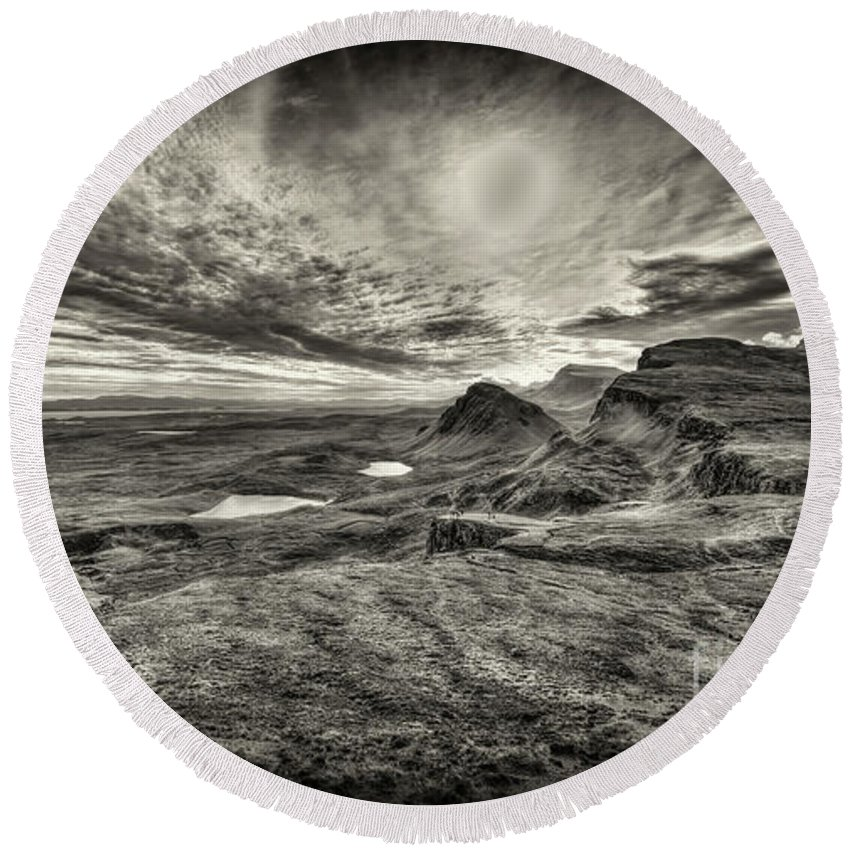 Isle Of Skye Round Beach Towel featuring the photograph The Trotternish Ridge No. 3 by Phill Thornton