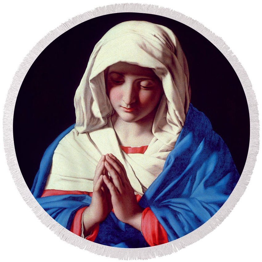Mary Round Beach Towel featuring the painting The Virgin In Prayer by Il Sassoferrato