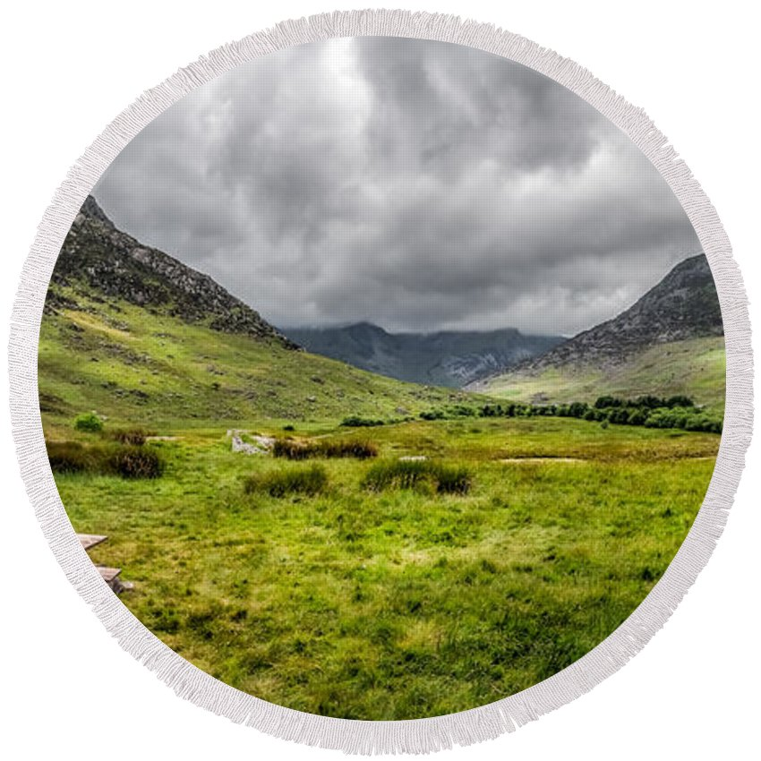 Tryfan Mountain Round Beach Towel featuring the photograph The Welsh Valley by Adrian Evans