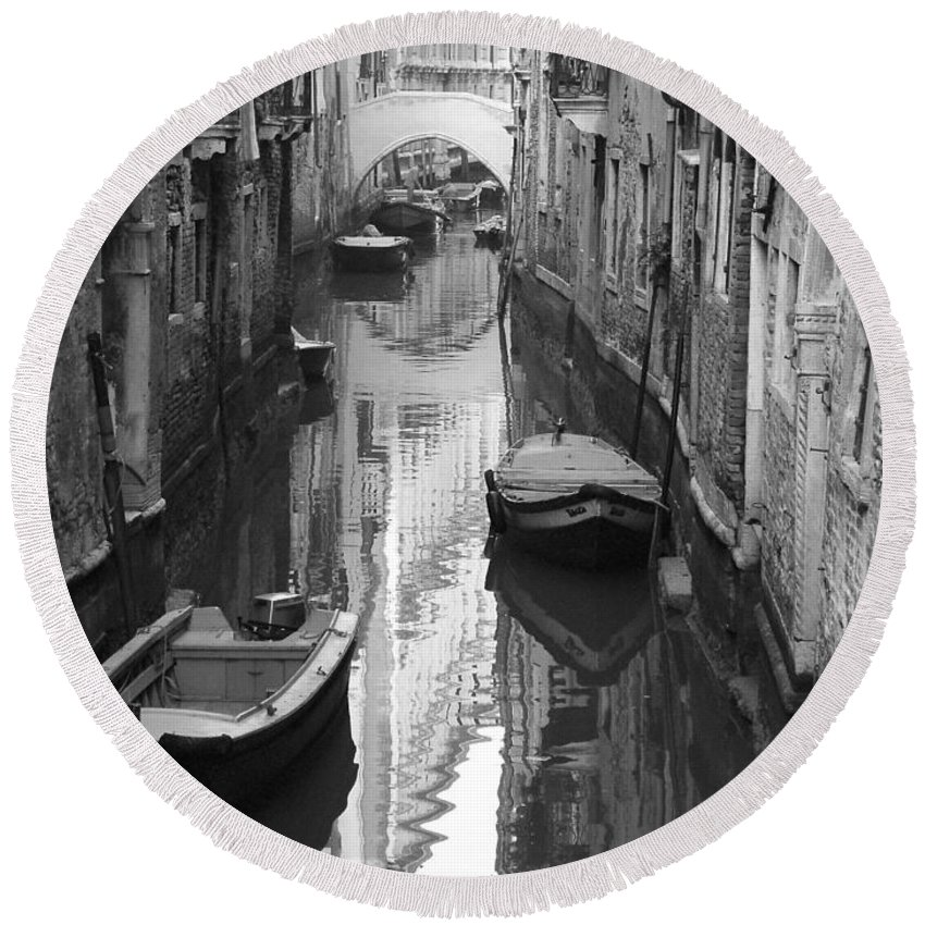 Venice Round Beach Towel featuring the photograph The White Bridge by Donna Corless
