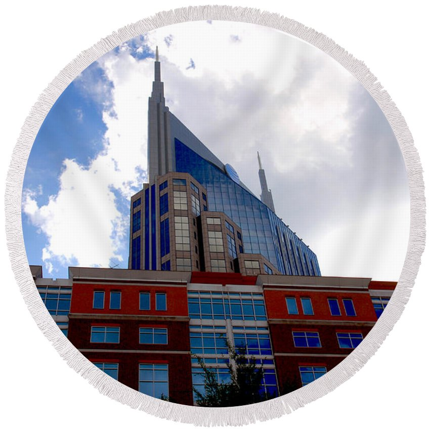 Nashville Round Beach Towel featuring the photograph There Where Modern And Old Architecture Meet by Susanne Van Hulst