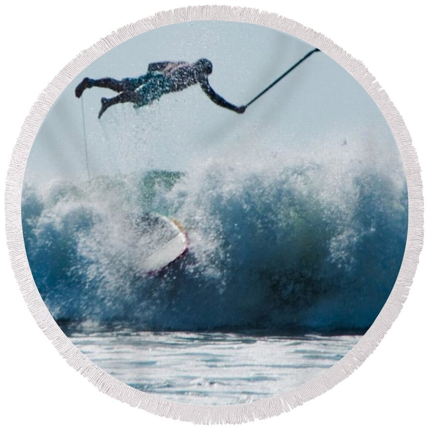 Surf Round Beach Towel featuring the photograph This Is Going To Hurt by Steven Natanson