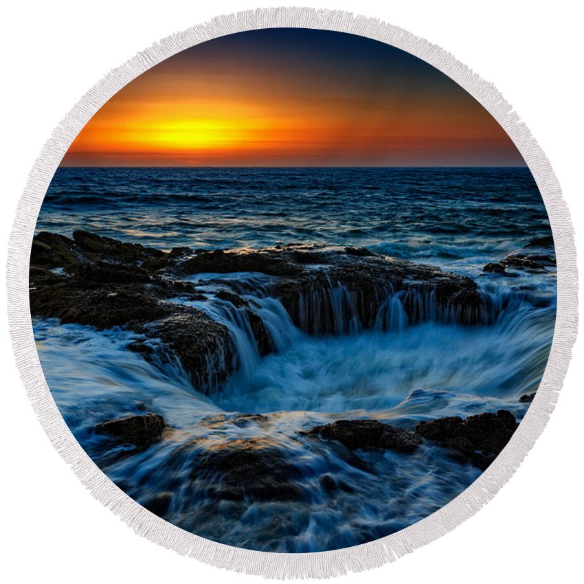 Oregon Round Beach Towel featuring the photograph Thor's Well II by Rick Berk