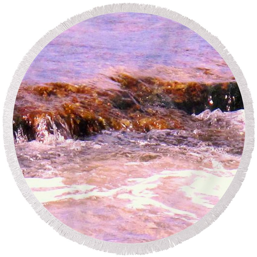 Tide Round Beach Towel featuring the photograph Tidal Pool by Ian MacDonald