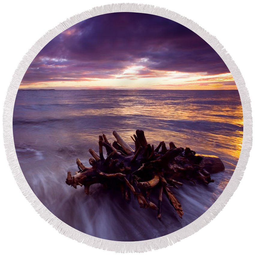 Sunset Round Beach Towel featuring the photograph Tide Driven by Mike Dawson