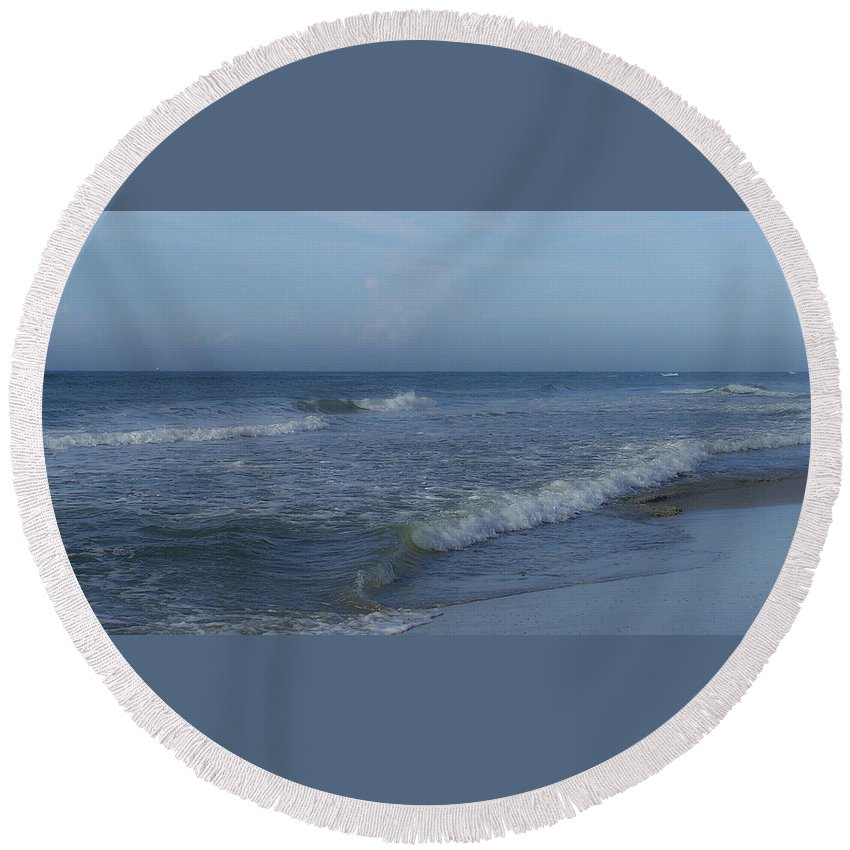 Tide Round Beach Towel featuring the photograph Tide Rolling In Ocean Isle Beach North Carolina by Teresa Mucha