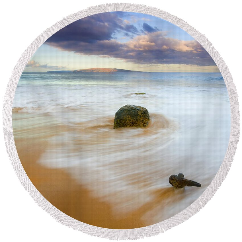 Maui Round Beach Towel featuring the photograph Tied To The Past by Mike Dawson