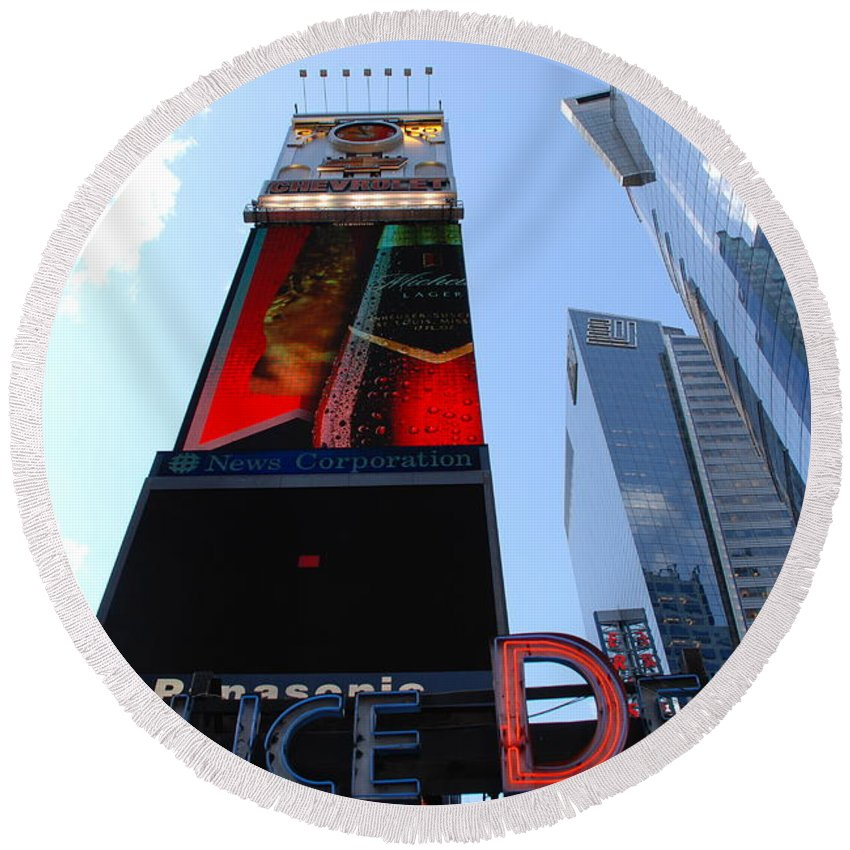 Times Square Round Beach Towel featuring the photograph Times Square Cops by Rob Hans