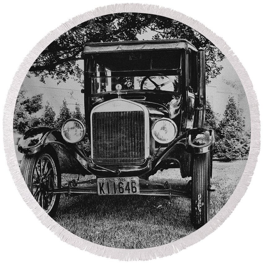 Ford Model T Round Beach Towel featuring the photograph Tin Lizzy - Ford Model T by Bill Cannon