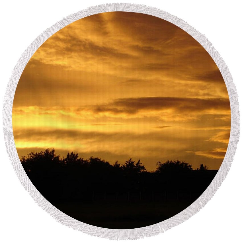 Sunset Round Beach Towel featuring the photograph Toffee Sunset by Carol Lynch