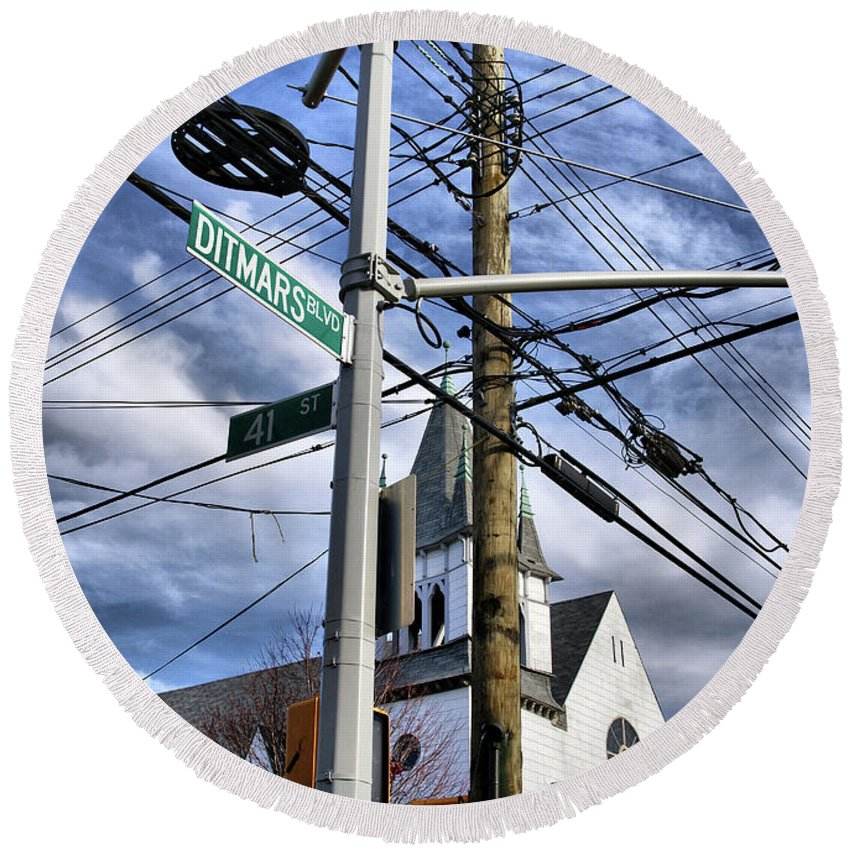 Ditmars Round Beach Towel featuring the photograph Totally Wired by Cate Franklyn