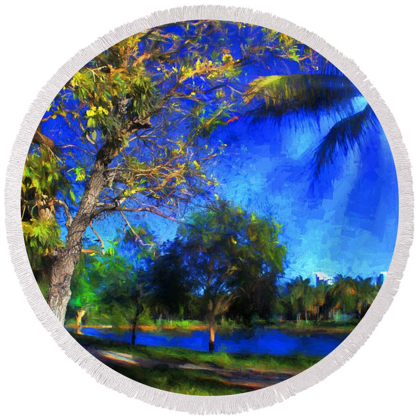 Trees Round Beach Towel featuring the photograph Tree Series 70 by Carlos Diaz