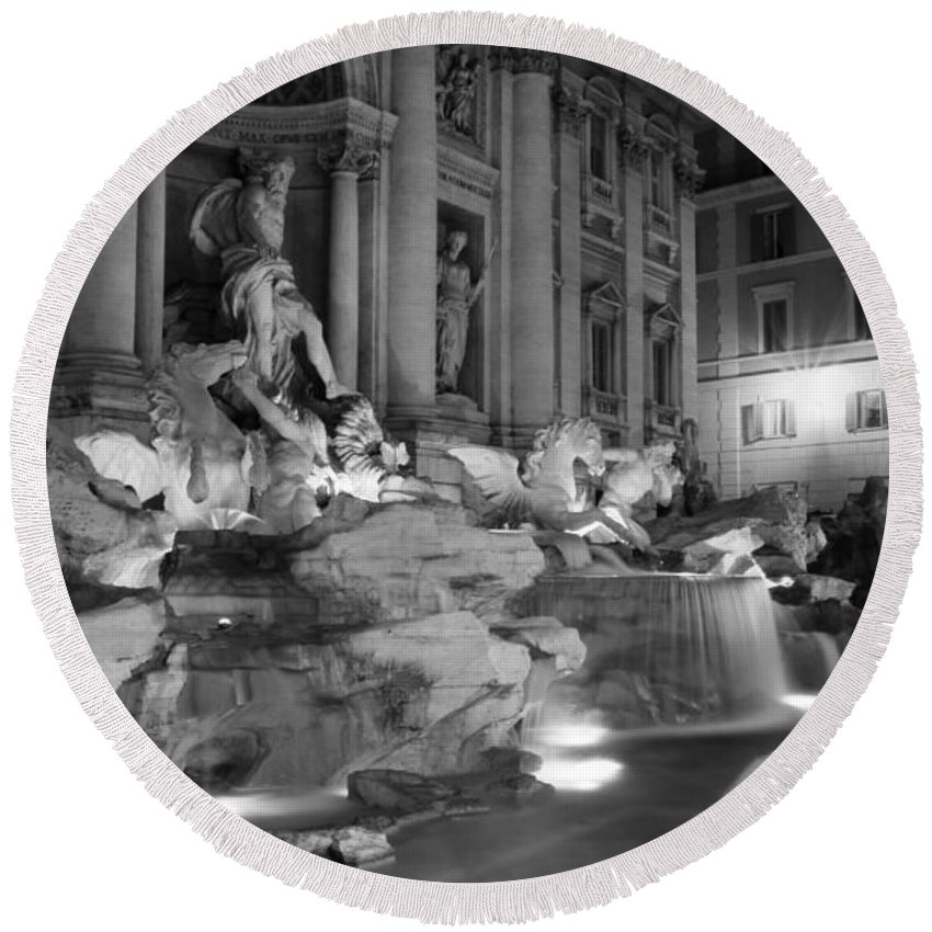 Trevi Fountain Round Beach Towel featuring the photograph Trevi Fountain Night 2 by Andrew Fare