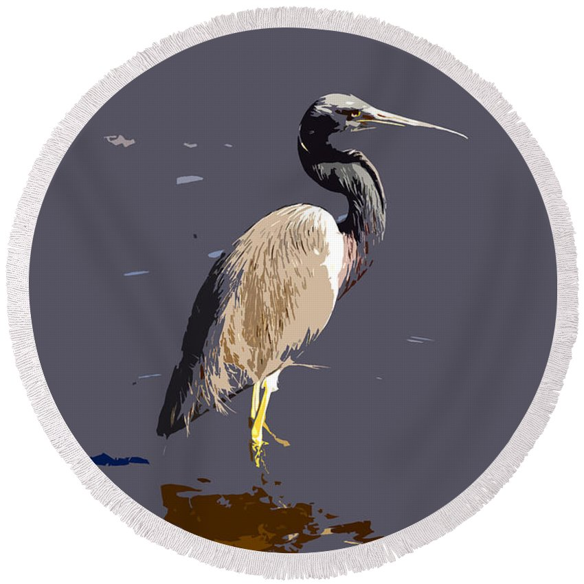 Tricolor Ed Heron Round Beach Towel featuring the photograph Tricolored Heron by David Lee Thompson