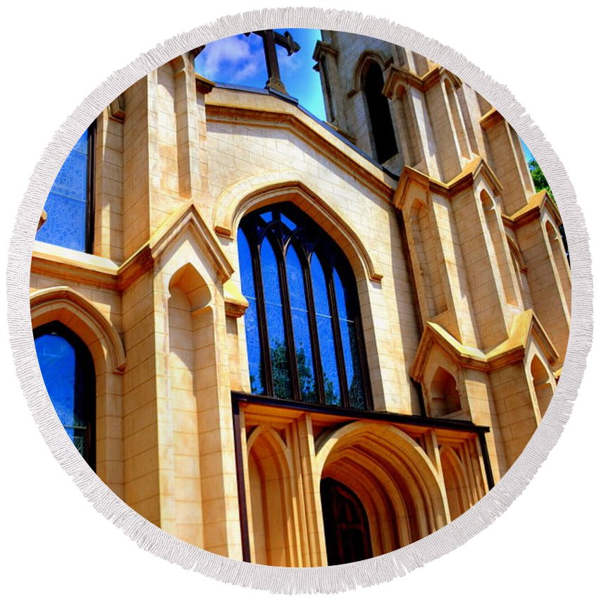 Trinity Episcopal Cathedral Round Beach Towel featuring the photograph Trinity Episcopal Cathedral Columbia Sc by Lisa Wooten