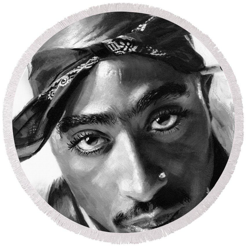Rapper Tupac Round Beach Towels
